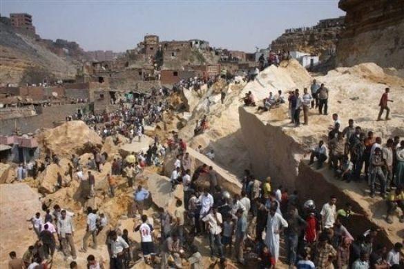 Обвал скелі у Єгипті