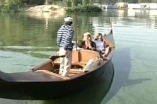 В Днепропетровске появилась лодка любви (видео)
