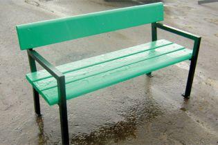 В Хмельницком будут дарить скамейки