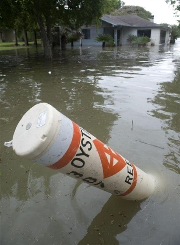 """Ураган """"Айк"""" набрал размеров штата Техас (видео)"""