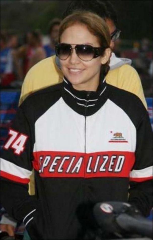 Дженнифер Лопес показала себя в триатлоне (фото)