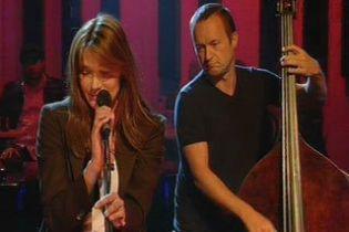 Первая леди Франции покоряет британский музыкальный Олимп (видео)