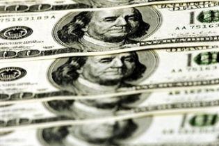 Доллар может обвалиться из-за действий правительства США