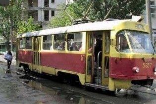 В Киеве трамвай сгорел до тла