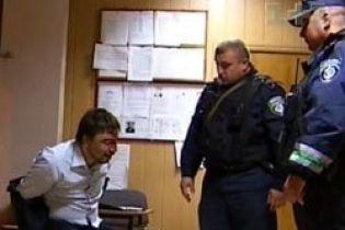 """""""Племянник"""" Суркиса угрожал милиции (видео)"""