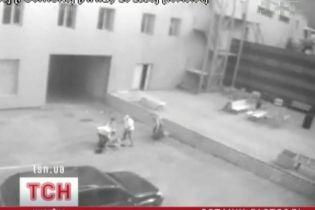 """В Киеве поймали """"гастролеров на миллион"""" (видео)"""