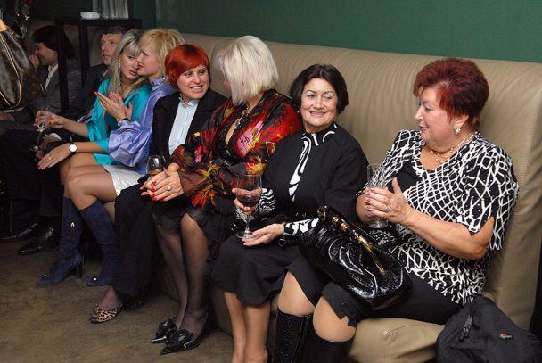 Звездные мамочки обсуждали своих детей (фото)