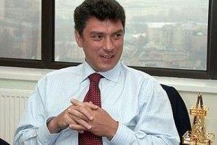 """Немцов: Янукович следует """"понятиям"""" и кончит, как президент Туниса"""