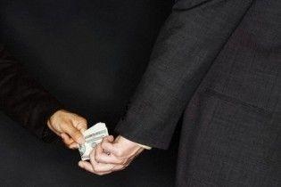 В Украине только один из четырех взяточников получает наказание