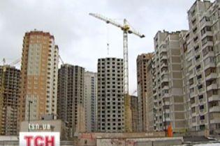 В Вышгороде жители новостройки месяц живут без света