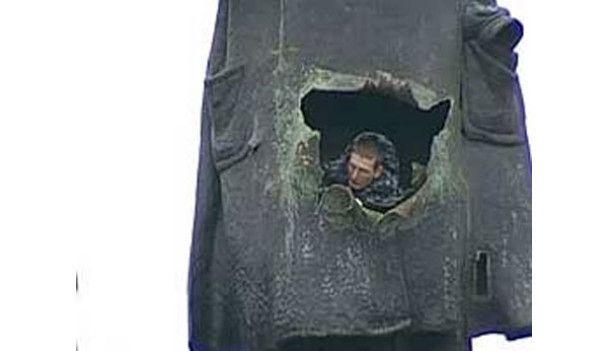 В Петербург вернули взорванный год назад памятник Ленину