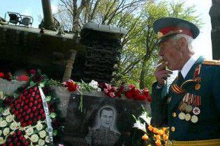 Больше трети украинцев готовы праздновать 9 мая с немецкими военными