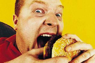 Ученые установили, что питание в фаст-фудах нарушает психику