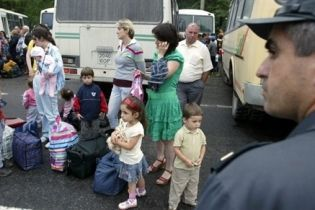 В Цхинвали продолжается эвакуация женщин и детей