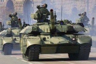 Во время парада в Харькове танки помяли асфальт