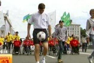 Украинец идет в книгу Гиннеса (видео, обновленное)