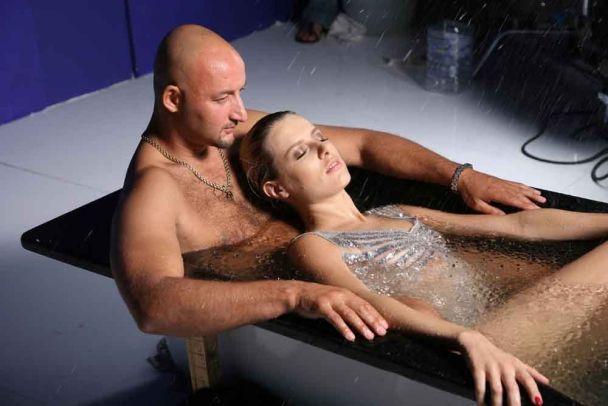 Оля Горбачева купалась в ванне с гонщиком Мочановым (фото)