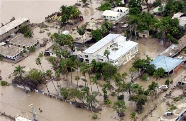 От урагана погибли около полутысячи человек на Гаити (фото)