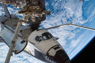 Во время выхода астронавтов из Endeavour в открытый космос произошла утечка аммиака
