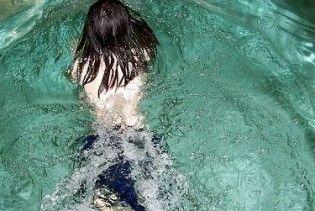 Купание в бассейне может вызвать мутации