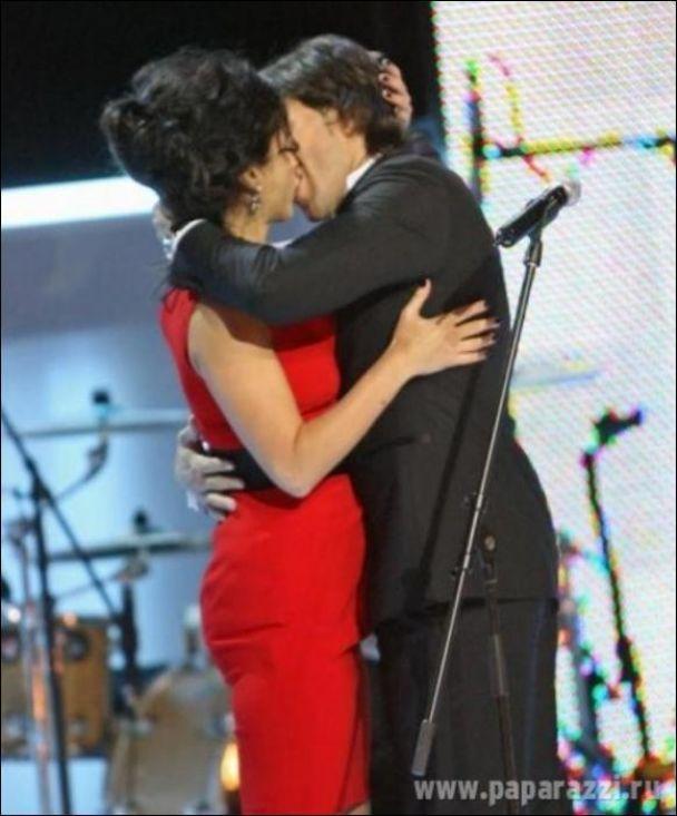 Тина Канделаки взасос целовалась с Малаховым (фото)