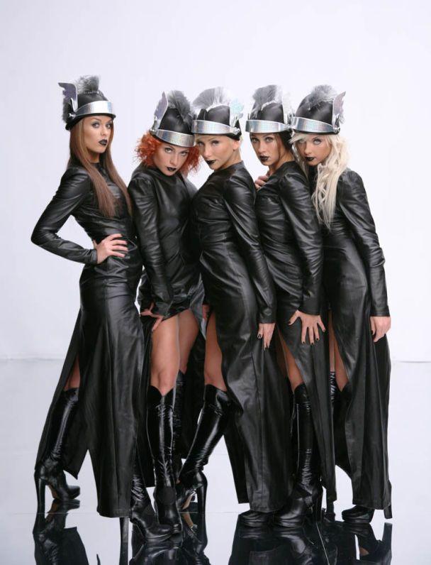 """Девушки с группы """"Армия"""" стали стриптизершами (фото)"""
