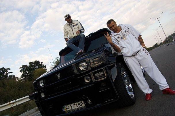 Larson продал квартиру и купил Hummer у 50 centa (фото)