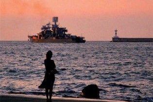 Два моряка с затонувшего украинского судна спаслось (видео, обновлено)