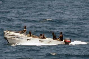 Пираты прекратили переговоры относительно судна Faina (видео)