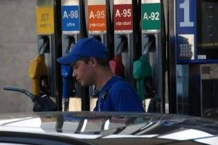 Эксперты: к концу года 95-й бензин подорожает до 10 гривен за литр