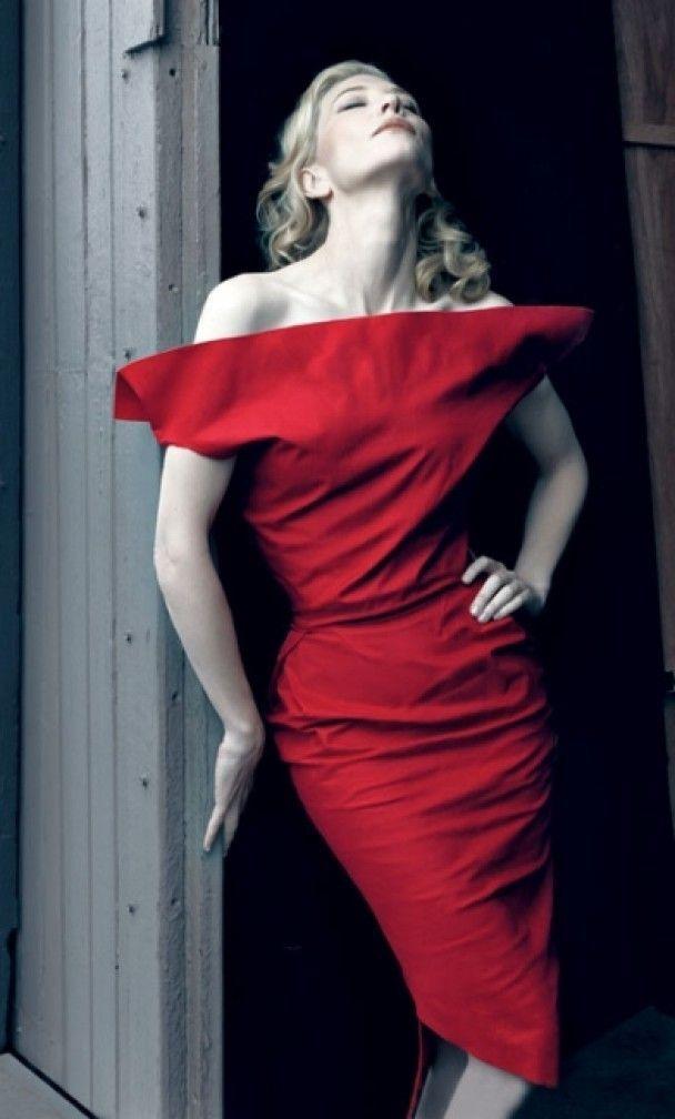 Кейт Бланшетт снялась в строгой фотосессии для Harper's Bazaar
