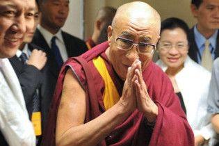 Далай-лама официально ушел из политики