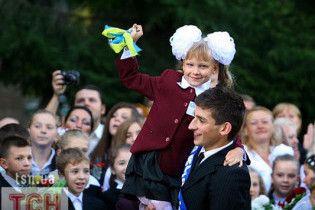 Янукович подписал закон о возвращении в школы 11-летнего образования