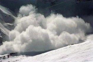 Сноубордист спровоцировал лавину в Карпатах