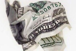 Украинцы перестали покупать доллары