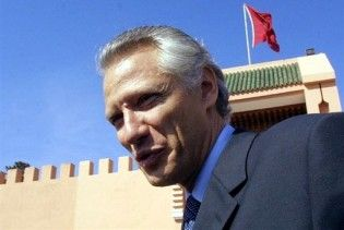 Экс-премьера Франции признали непричастным к клевете на Саркози