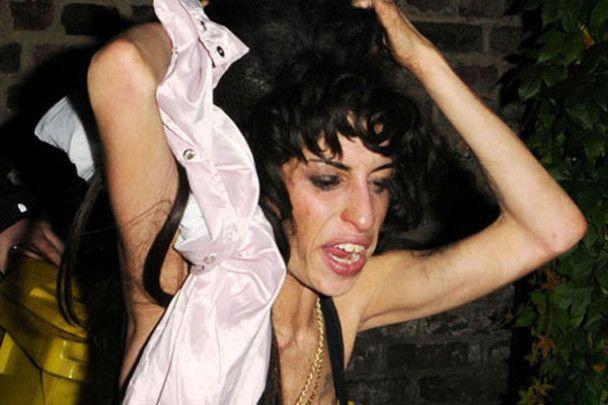 Эми Уайнхаус пьянствовала 16 часов