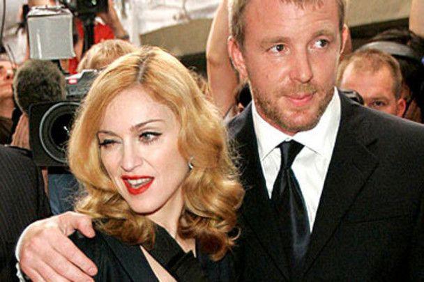 Мадонна переедет жить в Лондон