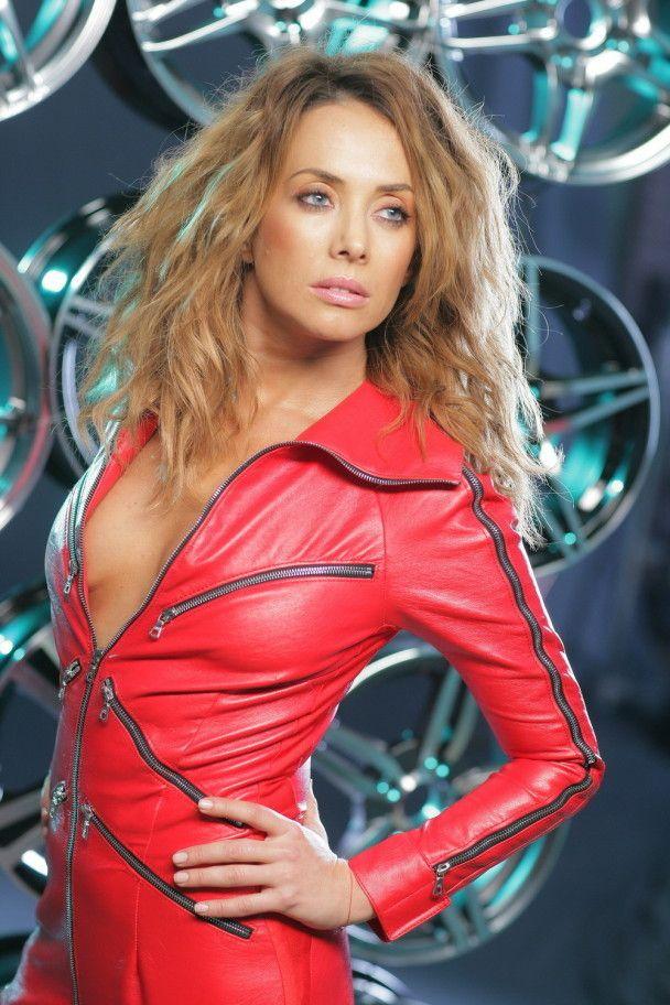 Секс-символ российской эстрады Жанна Фриске уходит со сцены