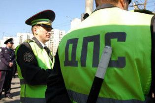 В Винницкой области пьяный водитель напал на гаишников с топором