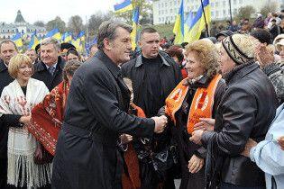Партия регионов выиграла выборы в родном селе Ющенко