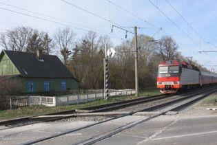 Водитель автобуса, протараненного поездом, выехал на красный свет