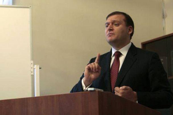 Янукович в Харькове почтил память афганцев