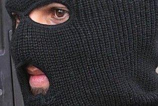 Во Львове люди в масках переломили нос социалисту, который возвращался с Холма Славы