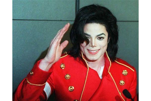 Майкл Джексон возглавил топ мертвых богачей