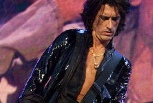 Пропал гитарист группы Aerosmith