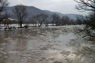 Ющенко предупреждают о больших наводнения и призывают собрать СНБО