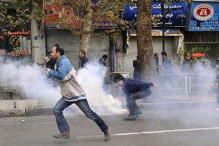 В Иране оппозиция тоже захотела на площади, власти привиделся раскол страны
