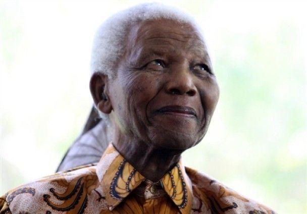 Нельсон Мандела создал собственную линию модной одежды