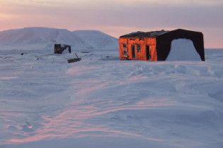 Начальник полярной станции задушил подчиненного
